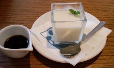 カフェ&ダイナー パームスカフェ沖縄のデザート 豆乳ミルクプリン